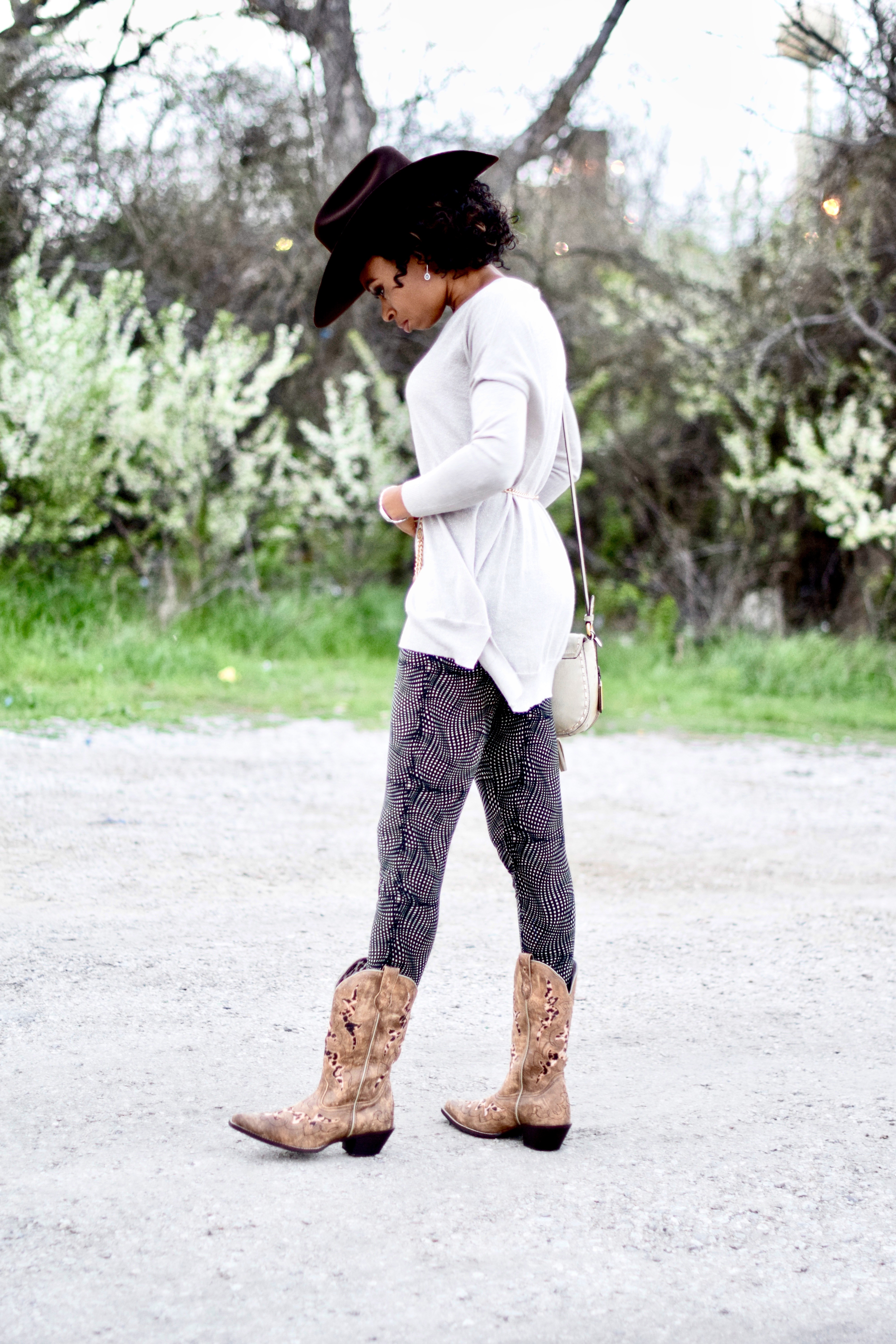 LulaRoe Leggings | Cowgirl Boots | Cowgirl Hat Posted By Vivellefashion