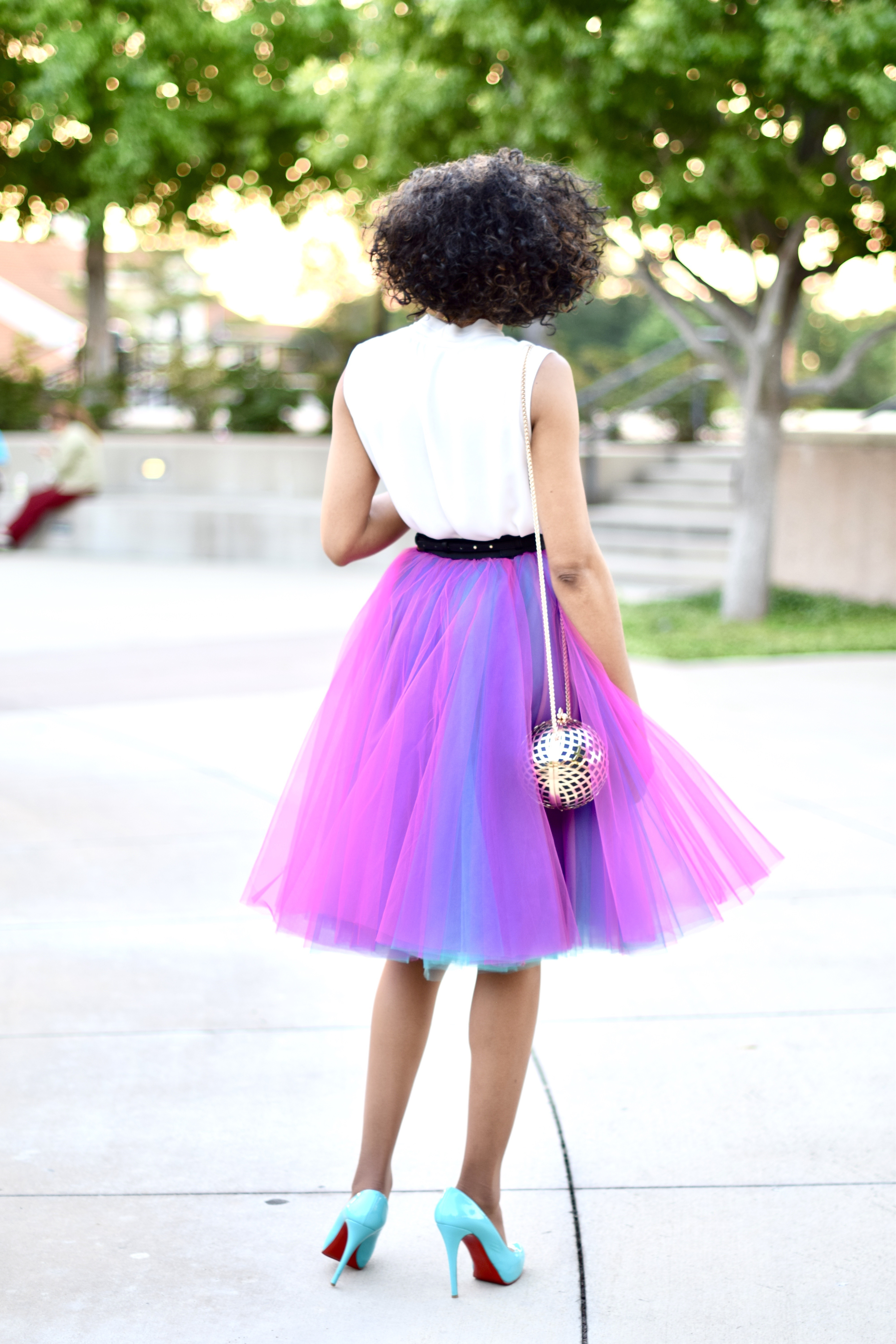 Tulle Skirt DIY Posted by Vivellefashion