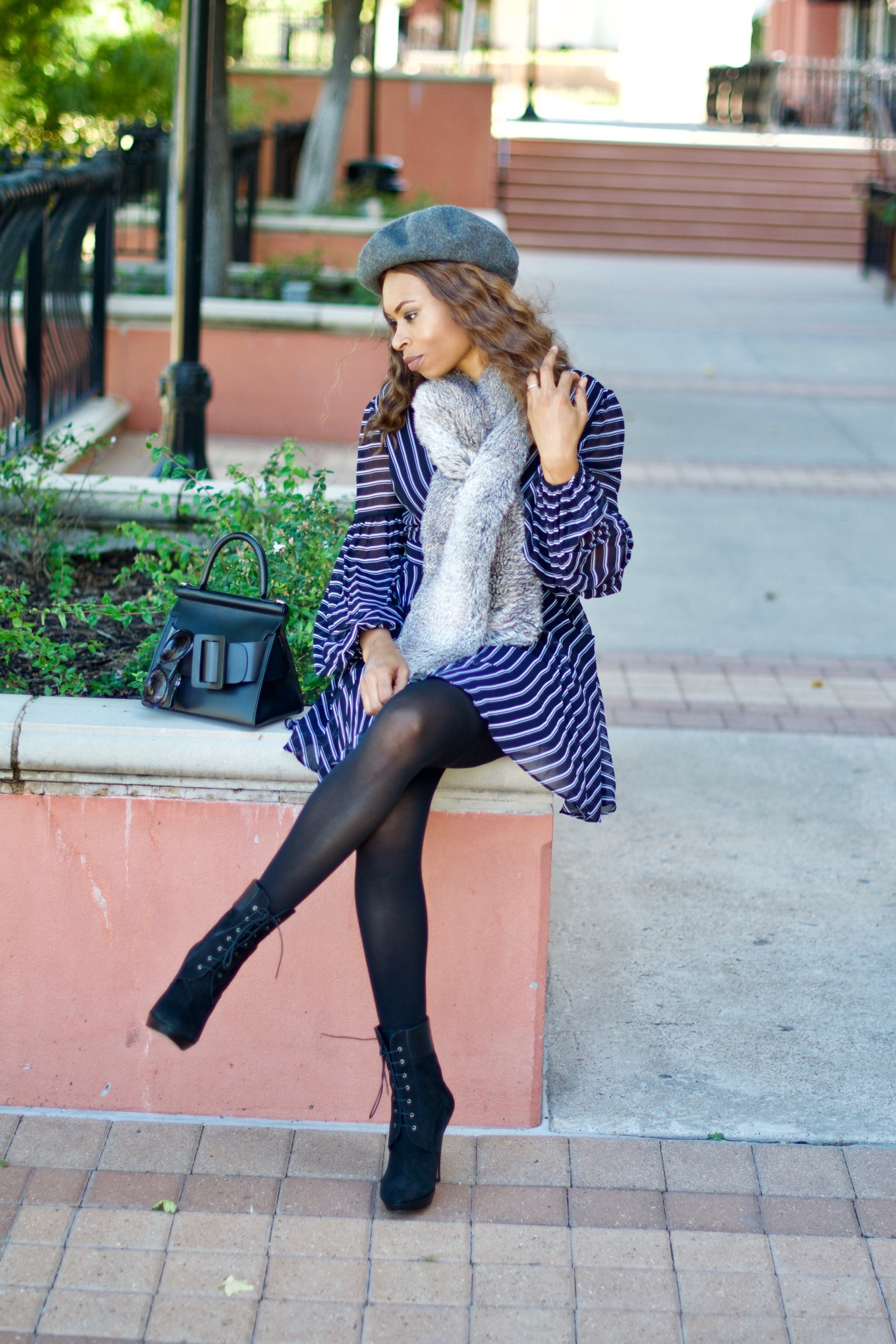 Balloon sleeve skater dress + Beret + Faux fur stole