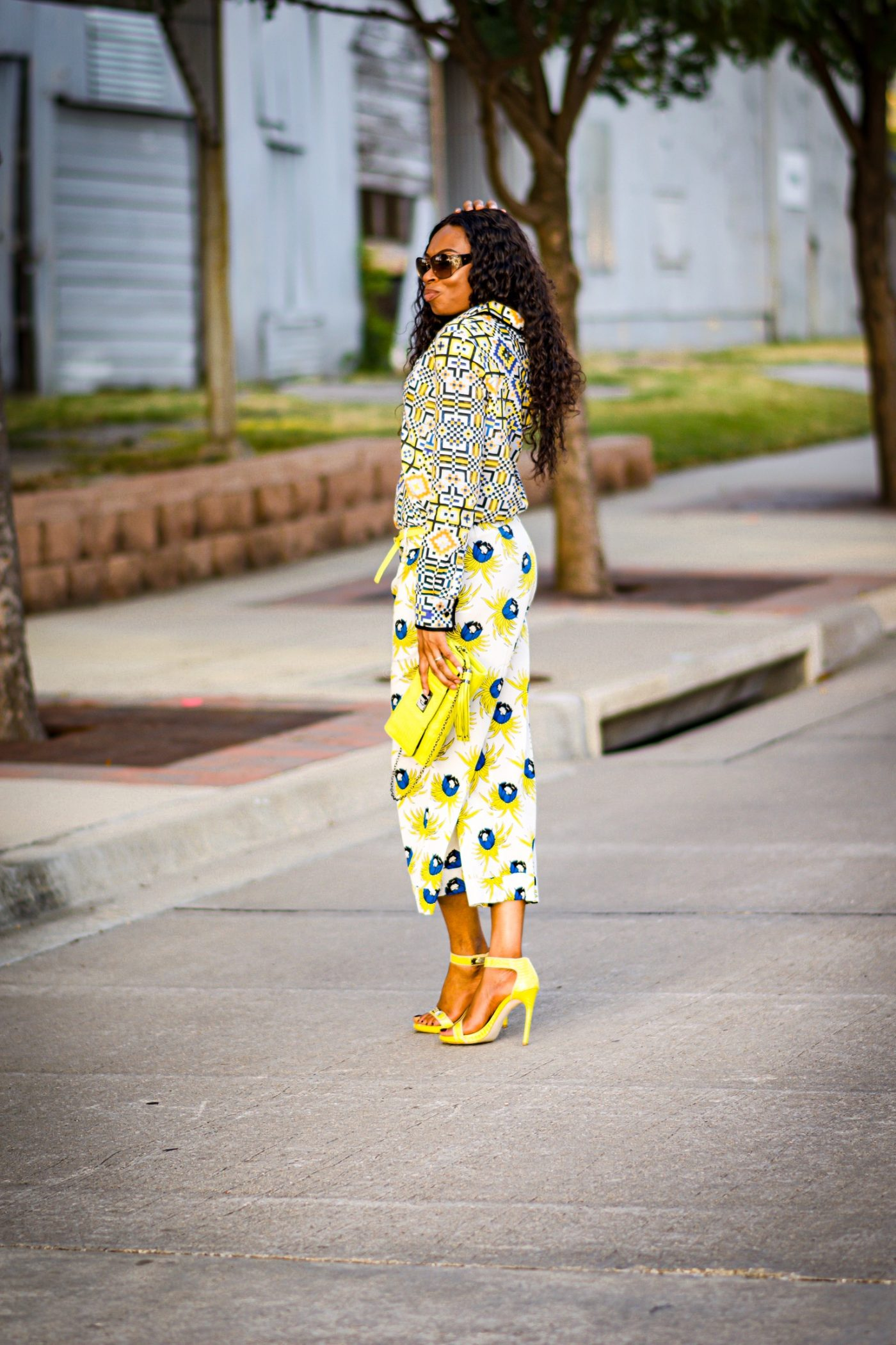 Mixing florals and geometric print